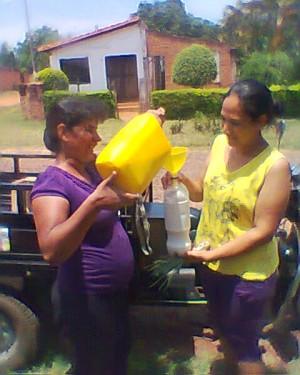 Zunilda Santacruz -우유,과일 배달 (파라과이)